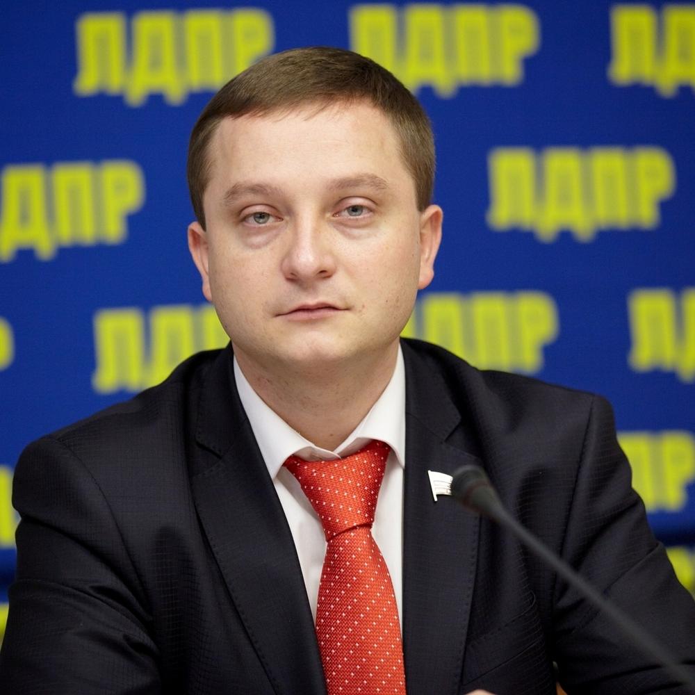 Росіяни хочуть визнати гімн України екстремістським