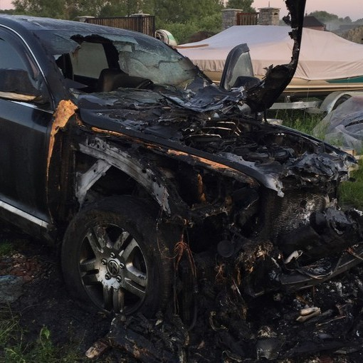 У Броварському районі спалили машину свободівця