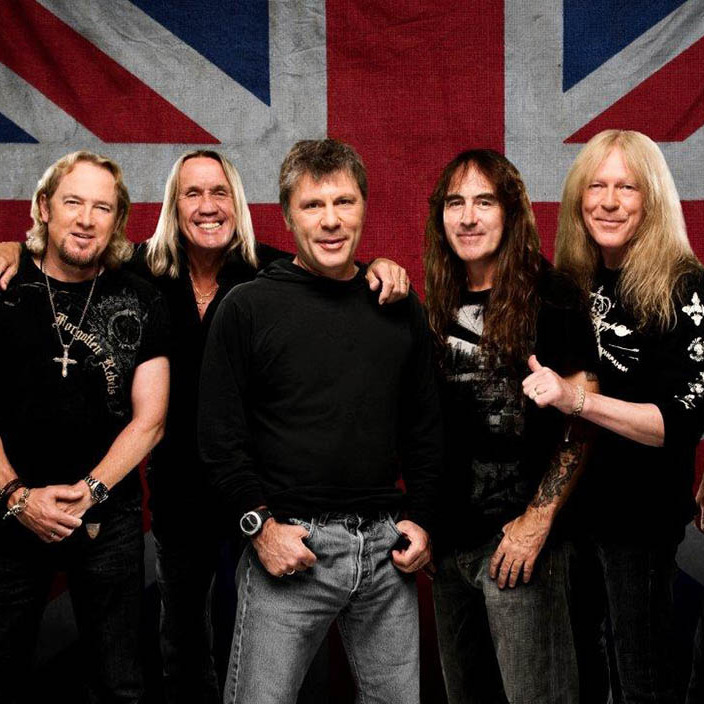 Лайнер Iron Maiden затьмарив літаки Ангели Меркель і Франсуа Олланда