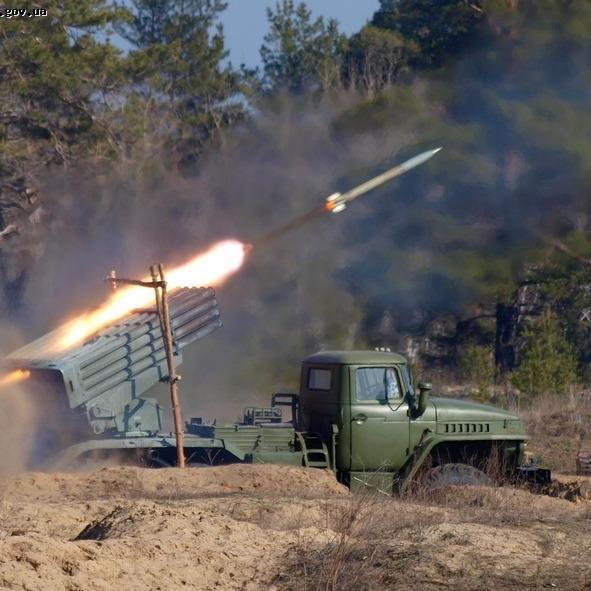 Поблизу Майорська стріляють із артилерії