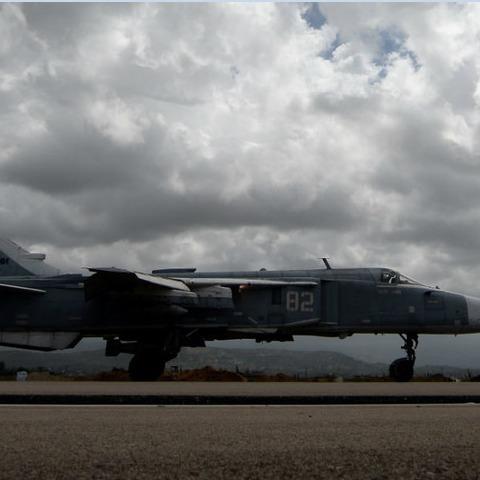 У міноборони РФ відхрестились від збитого в Сирії літака