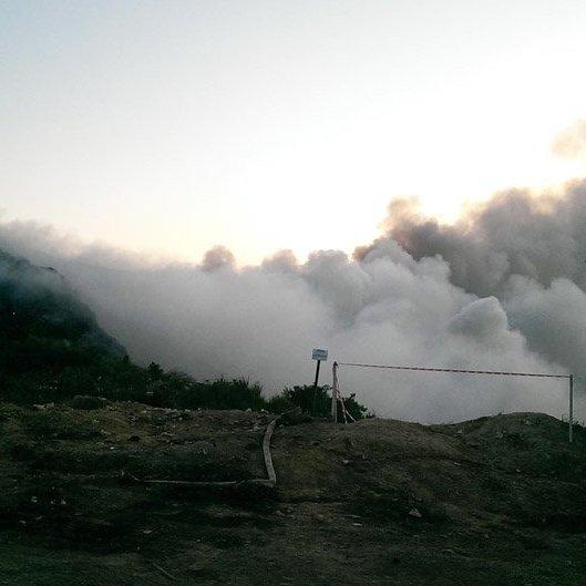 Нову пожежу на Грибовецькому сміттєзвалищі гасять з літаків