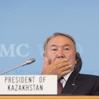 Назарбаєв заявив про ознаки «кольорової революції» в Казахстані