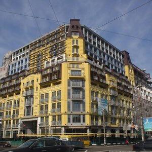Київський будинок-монстр на Подолі заборонено вводити в експлуатацію