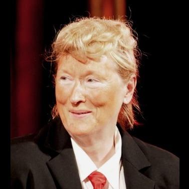 Меріл Стріп вийшла на сцену в Нью-Йорку в образі Дональда Трампа (відео)