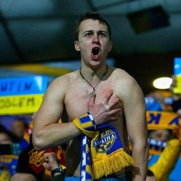 Українські фанати заспівають у Франції хіт про Путіна