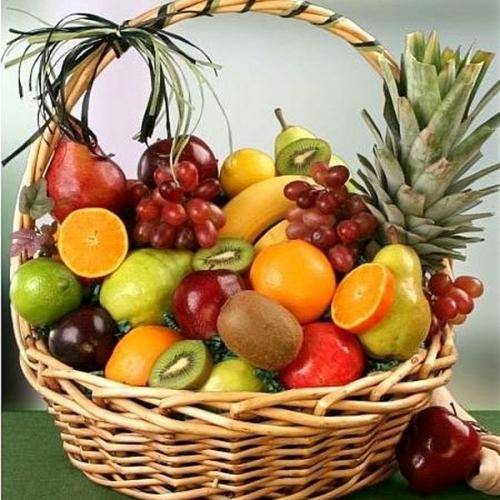 Дієтологи розповіли, які фрукти допомагають худнути