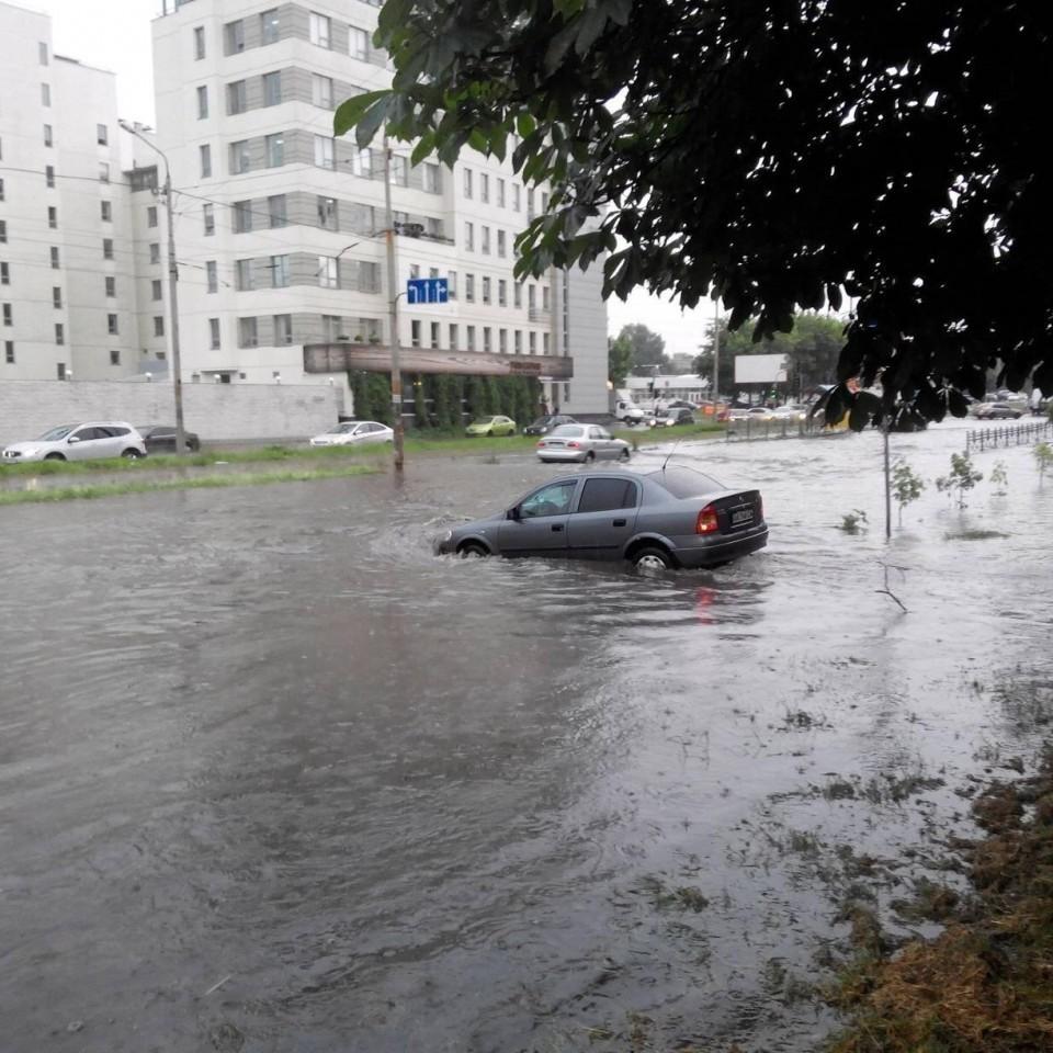 Київські вулиці не витримали сильної зливи