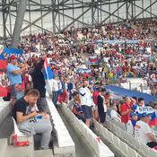 Фанати збірних Англії та Росії влаштували бійку прямо на стадіоні (відео)