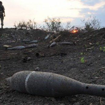 Важка ніч на Донбасі: є вбиті та поранені