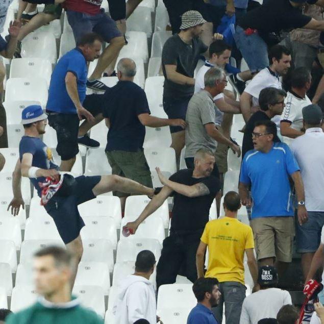 УЄФА відкрив справу стосовно російських уболівальників