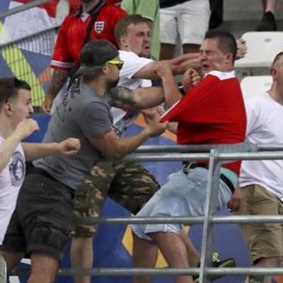 Голова англійських фанатів закликав дискваліфікувати Росію з Євро-2016