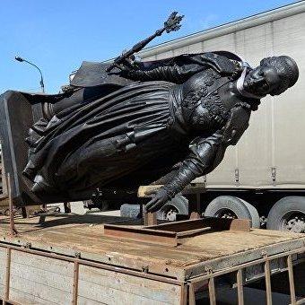 Замість моста окупований Крим отримав пам'ятник Катерині ІІ