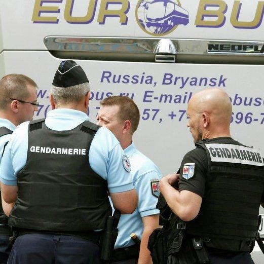 Французька поліція затримала російських журналістів