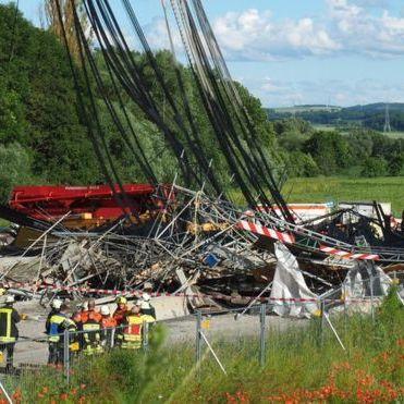 У Німеччині обвалився міст, є загиблі