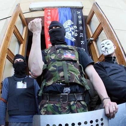 Жителі «ДНР» платять бойовикам за світло через компанію Ахметова, - Казанський