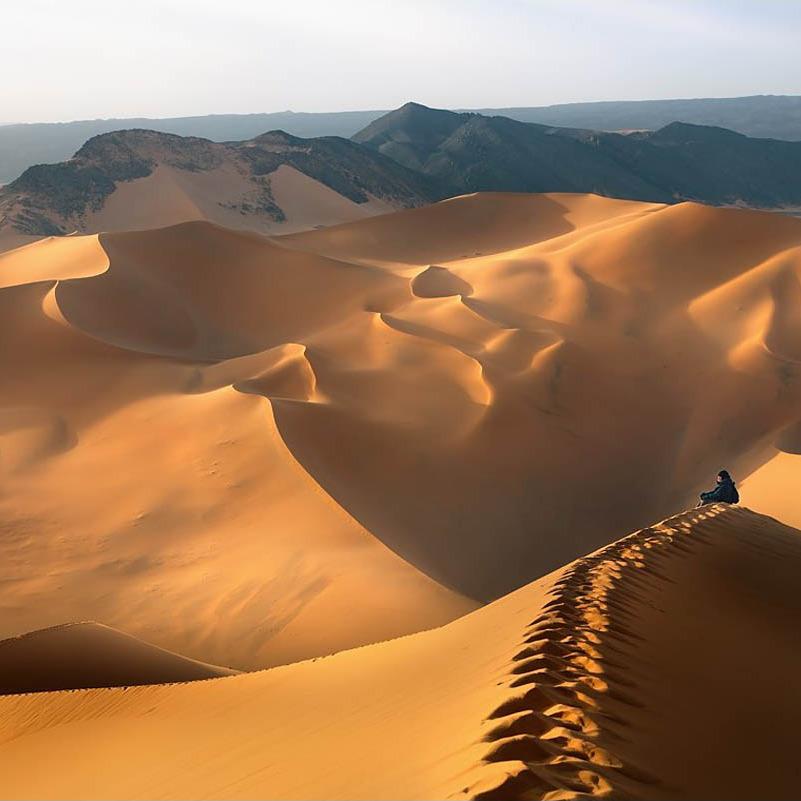 У пісках Сахари знайшли тіла 34 мігрантів, більшість - діти