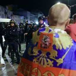 Російських фанатів повернули з Франції на батьківщину