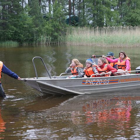 Трагедія в Карелії: діти пропонували скасувати вихід на озеро через шторм, але інструктори наполягли