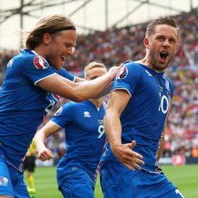 У ісландського коментатора сталася істерика після переможного гола Ісландії (ВІДЕО)