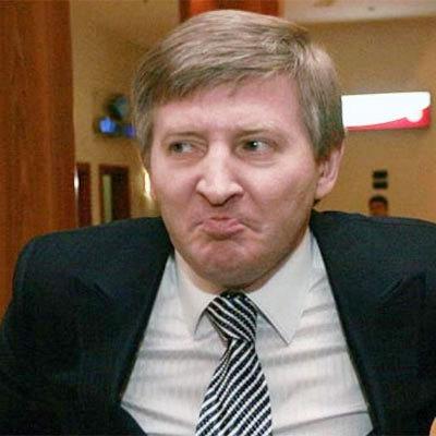Київські білборди погрожують Ахметову та Вілкулу (фото)