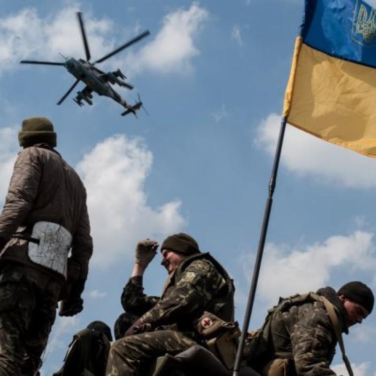 Загострення в АТО: Майорськ обстріляли з БМП, а біля Мар'їнки діяли снайпери