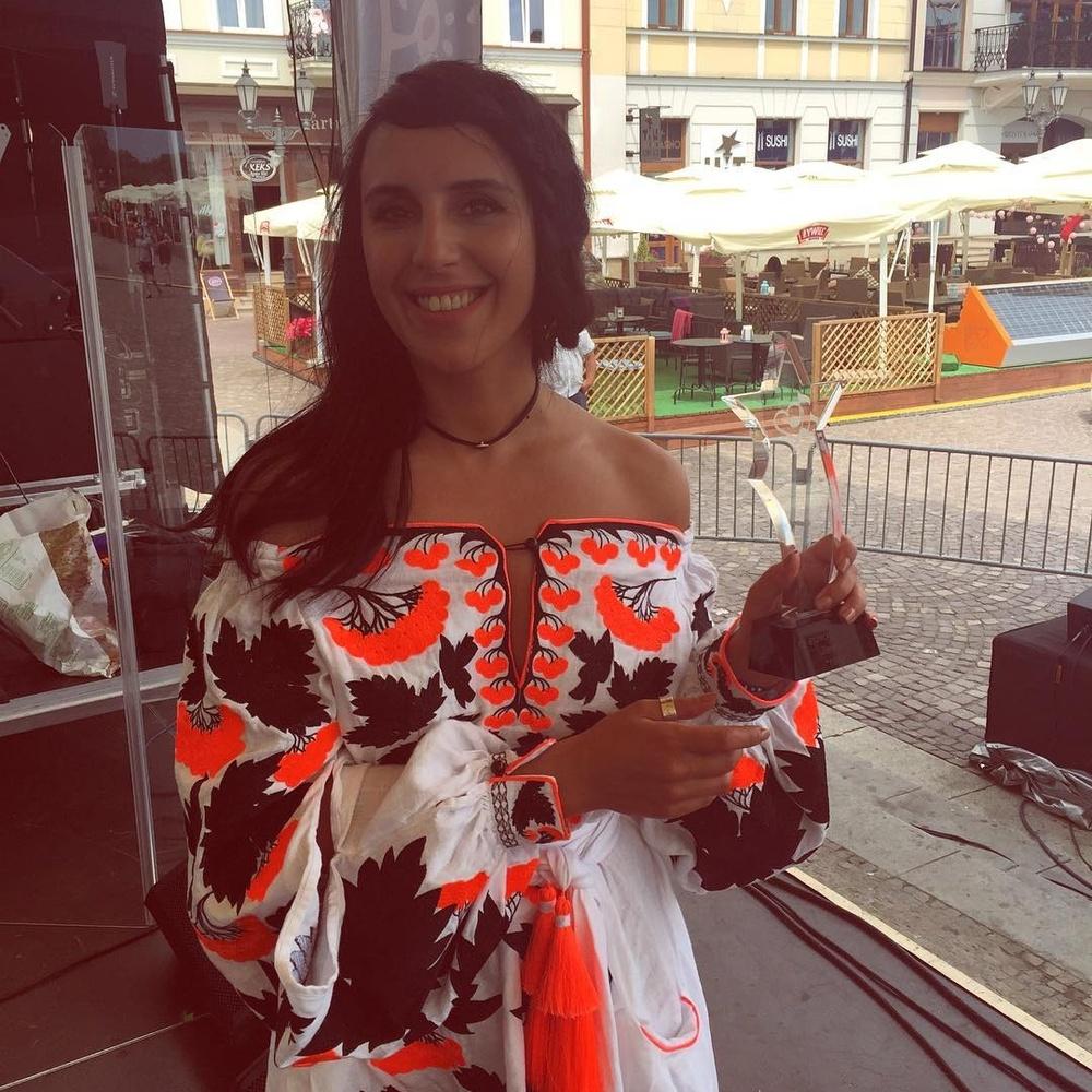 Джамала і Тіна Кароль з'явилися на публіці в однакових сукнях (ФОТО)