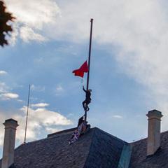У Празі сьогодні судять активістів, що замінили президентський штандарт на червоні труси
