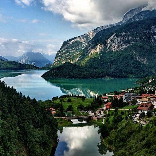 В Італії обрали найкрасивіше озеро країни