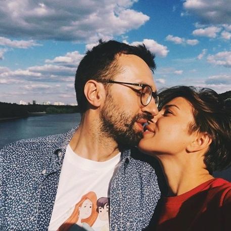 Нардеп Лещенко оприлюднив свої стосунки із діджеєм