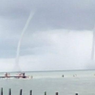 Після потужного шторму на Кубі піднялись водяні смерчі (відео)