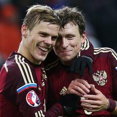 Російські клуби застосовують дисциплінарні заходи до футболістів Мамаєва і Кокоріна за вечірку з шампанським