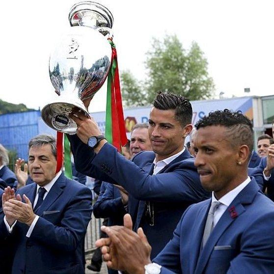 Як збірну Португалії зустрічали вдома після перемоги на Євро-2016 (відео)