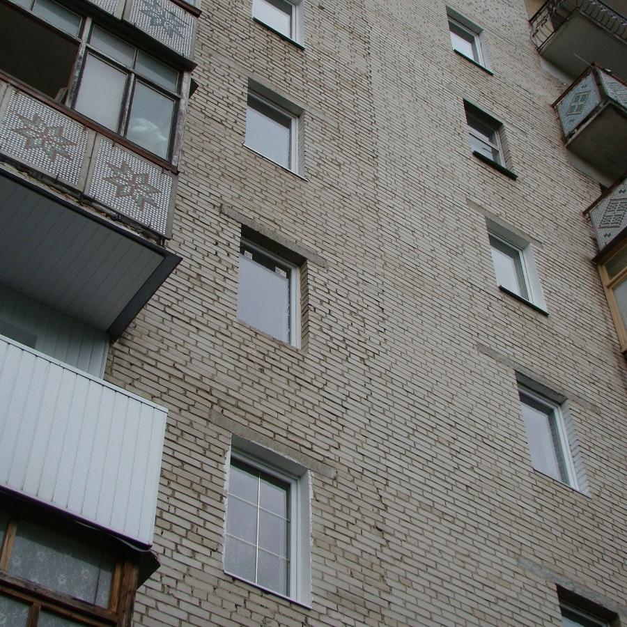 13-річна киянка стрибнула з балкону через сварку з хлопцем