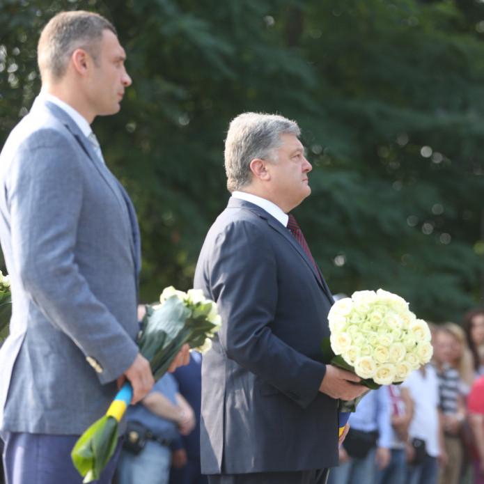 Петро Порошенко закликав українські церкви дати оцінку подіям на Донбасі