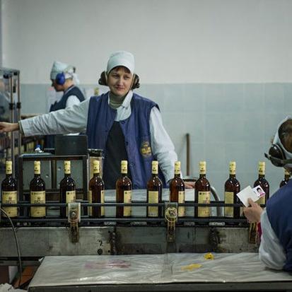 Кримська «Массандра» відправила першу партію вина у «ЛНР»