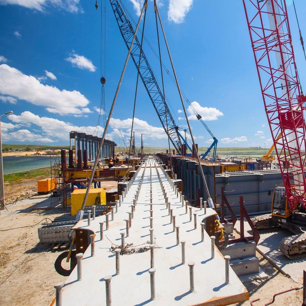 «Я забиваю» - у Росії з'явився кліп про будівельників Керченського мосту