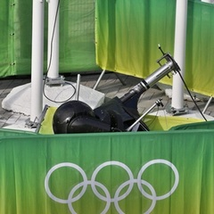 Під час Олімпіади на вболівальників впала камера