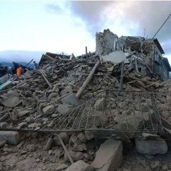 Землетрус у центрі Італії забрав десятки життів (відео)