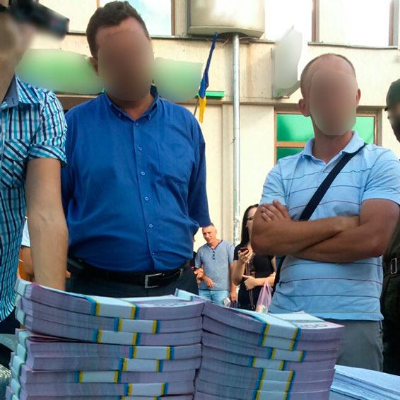На Івано-Франківщині сільський голова вимагав 500 тисяч гривень хабара