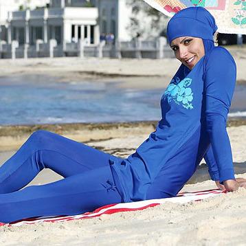 Вищий суд Франції скасував заборону на носіння мусульманських купальників