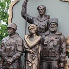 Стало відомо, хто вночі підірвав пам'ятник ополченцям «ЛНР» в Луганську