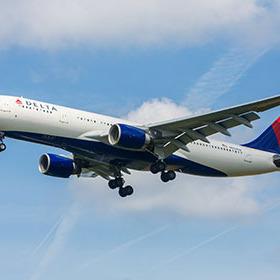 Найбільша авіакомпанія світу припиняє польоти в Росію