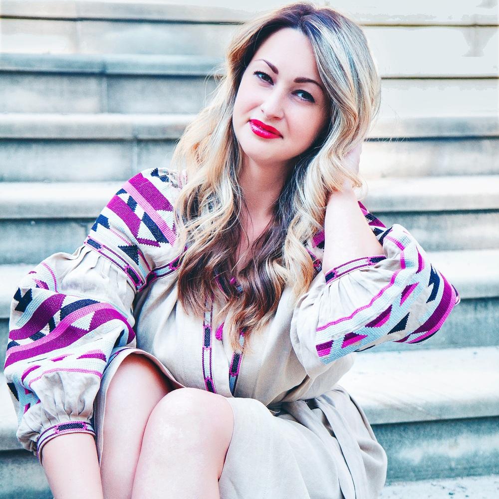 Я шила одяг із маминих суконь але,  крім дірок і безглуздих шматків, нічого не виходило - модельєр Ніна Біляєва