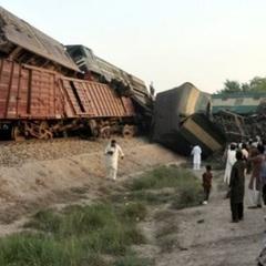 У Пакистані зіштовхнулися потяги: 6 загиблих, 150 постраждалих