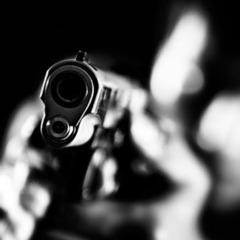 У центрі Києва невідомий вистрілив у перехожого