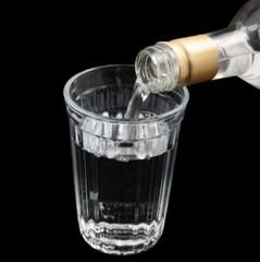 На Харківщині від отруєння алкоголем померли шість осіб