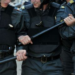 Російського поліцейського звільнили за непристойний малюнок
