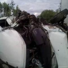 ДТП на Львівщині: мікроавтобус зіткнувся з рейсовим автобусом, загинув водій (фото)
