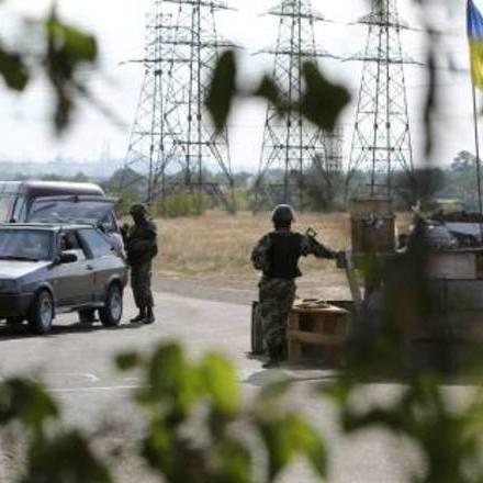 Якщо українські військові відійдуть на кілометр, ми втратимо Станицю Луганську - глава Луганщини про розведення сил